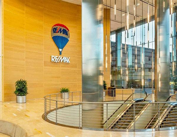 RE/MAX Plaza Interior